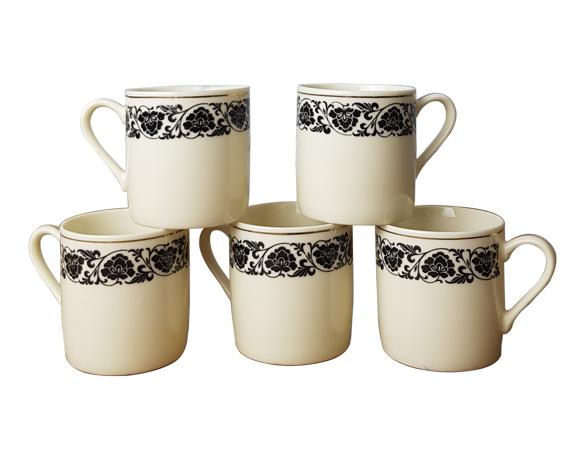 5 tasses à café décor noir et or